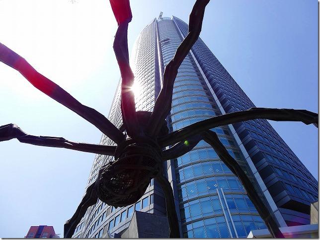 六本木ヒルズ ルイーズ・ブルジョワ 蜘蛛のブロンズ像
