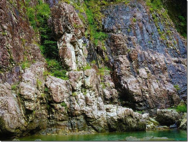 瀞峡 松茸岩