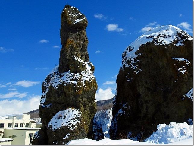 ゴジラ岩 ウトロ