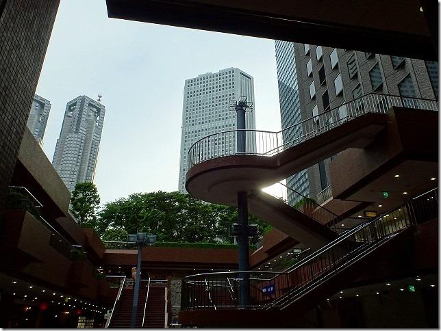 新宿西口 高層ビル