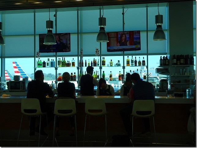 サンディエゴ国際空港 ラウンジ